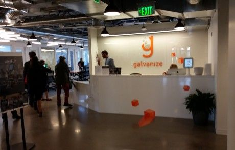 Recepción del espacio de coworking Galvanize en Denver