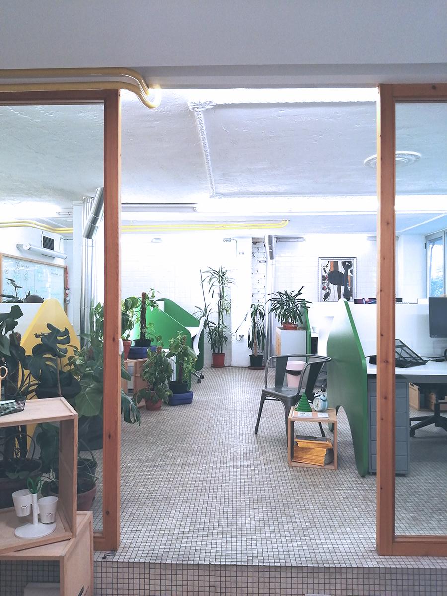 Imagen de una de la plantas del espacio de coworking Freeland en Madrid